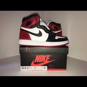 Air Jordan 1 satin black toe